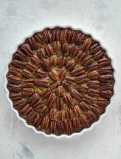 This chocolate pecan tart is the best dessert ever. Chocolate fudge and gooey pecan pie in a shortbread crust - everyone goes crazy! Pecan Tarts, Pecan Pie Bars, Chocolate Bourbon, Chocolate Fudge, Best Thanksgiving Recipes, Good Pie, Pie Pops, Shortbread Crust, How Sweet Eats