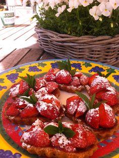 Snelle aardbeiengebakjes. Kijk op www.beproefd.nl voor het recept