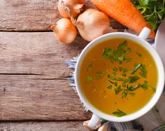 This bone broth recipe is easy to make and easy to can up so you can always have some homemade broth handy on your shelves. Free Chickens, Emergency Food, Chicken Flavors, Delicious Fruit, Gluten Free Chicken, Bone Broth, Jam Recipes, Muesli, Soups And Stews