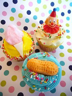 Carnival cakes with real cotton candy by Amanda Linton, via Flickr