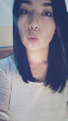 mi cabello, long negro.