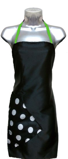 Salon Apron Black-Big Dot-Apple Razor Sharp Salon Wear