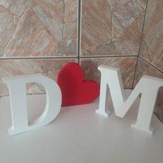 2 Letras Decorativas + 1 coração em MDF.    Lindas peças para decoração de noivado, casamento e etc...    Você escolhe a cor