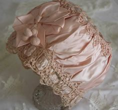 Circa antique silk baby bonnet All my babies will be bonneted for as long as possible. Looks Vintage, Vintage Lace, Vintage Outfits, Vintage Fashion, Baby Bonnets, Christening Gowns, Linens And Lace, Heirloom Sewing, Antique Clothing