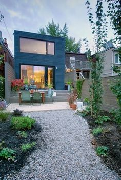 Trinity-Bellwoods Townhouse - contemporary - exterior - toronto - Andrew Snow Photography
