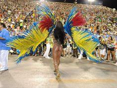 Em clima de folia! Descubra de quem são os bumbuns que se destacaram nos desfiles de Carnaval do ano passado
