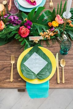 The atmosphere of hot tropics with their bright landscapes requires unusual tropical decor. Find tropical wedding decor ideas in our post. Tropical Wedding Decor, Tropical Bridal Showers, Tropical Party, Tropical Decor, Tropical Weddings, Tropical Interior, Tropical Colors, Bright Colors, Wedding Table Decorations