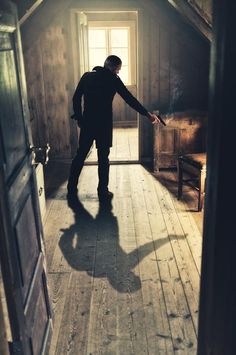Foto muito bem feita, utilizando a sombra como detalhe.
