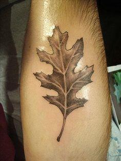 shining-oak-leaf-tattoo-on-arm.jpg (375×500)