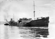 Tanker SAN DEMETRIO arriving in the Clyde after being torpedoed by U 404 on 17 March At the time of her being torpedoed she had already been shelled by the German pocket battleship ADMIRAL SCHEER, on 5 November Us Navy Submarines, Oil Tanker, Naval History, See Images, Time Photo, Royal Navy, Water Crafts, Battleship, Old Pictures