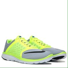wholesale dealer 4f37a ff353 BRAND NEW Nike FS Lite Run 3 MENS Sz 9 BRAND NEW Nike FS Lite Run