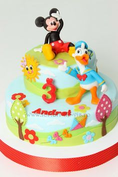 Mickey Mouse & Donald Duck Cake