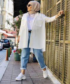 Hijab Fashion Summer, Street Hijab Fashion, Winter Fashion Outfits, Muslim Fashion, Modest Fashion, Mode Turban, Hijab Fashionista, Casual Hijab Outfit, Hijab Fashion Inspiration