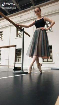 Ballet Dance Videos, Ballet Poses, Ballet Costumes, Dance Costumes, Ballet Wear, Ballet Class, How To Make Tutu, How To Wear, Pilates Fitness