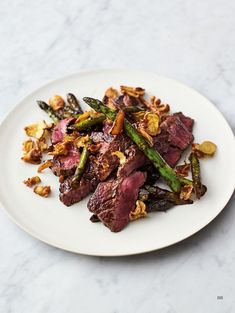 Chef Jamie Oliver shares 3 quick and easy recipes with 5 ingredients or fewer. Jamie Oliver Stir Fry, Jamie Oliver Steak, Jamie Oliver Quick, Chef Jamie Oliver, Jaimie Oliver, Steak Stirfry Recipes, Stir Fry Recipes, Steak Recipes, Cooking Recipes