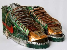 Sneakers from computer parts Waste Art, Computer Chip, Computer Art, Nike Shoes, Sneakers Nike, Creators Project, Shoe Crafts, Sneaker Art, Recycled Fashion