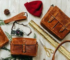 We are a proud retailer of ONA for Germany and many other countries of the world – visit us at: www.designstraps.com/onabags    #designstraps #onabags #camerabag #kameratasche #photography #camera #kamera #lifestyle #leder #taschen    Shop the antique cognac collection just in time for the holidays