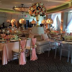 We are almost done with our fabulous @zazahouston wedding today for #clarkiane2015! #wedding #floraeventi #reception #peach #weddingsinhouston #weddingflowers #WeddingIdeas #dju #soireebliss