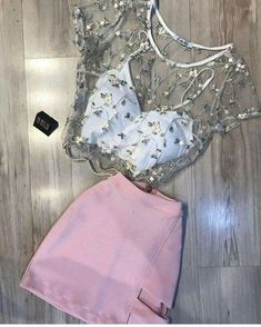 How to wear fall fashion outfits with casual style trends Mode Outfits, Girl Outfits, Casual Outfits, Fashion Outfits, Hipster Outfits, Pink Skirt Outfits, Style Fashion, Casual Dresses, Derby Outfits