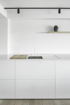 Minimalist Apartment Decor - Modern & Luxury Ideas Zeedjik Apartment by TJIP Farmhouse Style Kitchen, Modern Farmhouse Kitchens, Home Decor Kitchen, Kitchen Interior, Ikea Kitchen, Stairs Kitchen, Basement Kitchen, Interior Plants, Rustic Kitchen