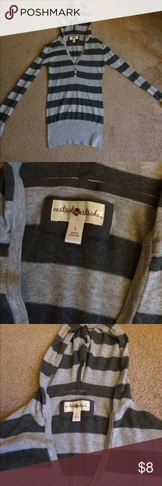 Hooded sweater Lightweight striped hooded sweater, worn only a handful of times Tops Sweatshirts & Hoodies