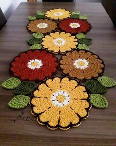 Video see for Crochet Tools Crochet Motifs, Filet Crochet, Crochet Doilies, Crochet Flowers, Crochet Patterns, Crochet Home Decor, Crochet Crafts, Yarn Crafts, Crochet Projects