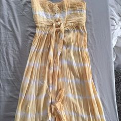 Tiare Hawaii tie dye strapless dress mid length Super cute tie dye dress perfect for spring/summer☀️ (it's one size) I'm a size small and it fits me good Tiare Hawaii Dresses Midi