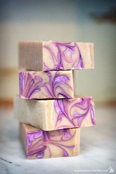 Vanilla Soap Palm Free Lavender and Vanilla Cold Process Soap RecipePalm Free Lavender and Vanilla Cold Process Soap Recipe Soap Making Recipes, Homemade Soap Recipes, Diy Beauté, Savon Soap, Soap Making Supplies, Goat Milk Soap, Lotion Bars, Cold Process Soap, Soap Molds