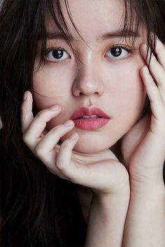 Korean Actresses, Korean Actors, Actors & Actresses, Korean Ulzzang, Korean Girl, Bts J Hope, Kim So Hyun Fashion, Song Kang Ho, Kim Sohyun