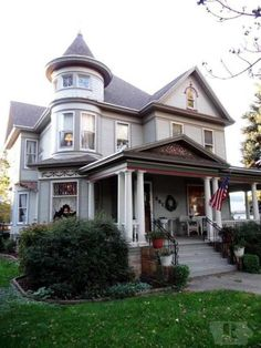 Queen Anne Victorian ; 4 bedrooms ; Grand Open Oak Staircase ; Formal Dinning ; Lots of Oak Wood through out ; Master suite ; Modern Kitchen ; Full bath up, 1/2 main, 1/2 lower ; Heated 3 stall garage…
