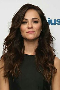 Alexandra Park is one of the worst actors there ever was in Trapped Sisters. Royal Tv Show, Stunt Woman, Alexandra Park, Beautiful People, Beautiful Women, Woman Crush, Brown Hair, Outfit, Curly Hair Styles