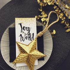 Black + gold are a timeless color combo, especially for holiday table decor.