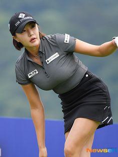 Sexy Golf, Girls Golf, Ladies Golf, Sexy Asian Girls, Beautiful Asian Girls, Girl Golf Outfit, Swimming Sport, Tennis Fashion, Golf Wear