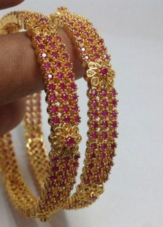 Ruby and golden bangles designs Plain Gold Bangles, Gold Bangles Design, Gold Jewellery Design, Ruby Bangles, Bridal Bangles, Bridal Jewelry, Beaded Jewelry, Ruby Necklace Designs, Gold Jewelry Simple
