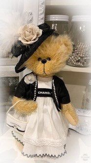 Excited to share this item from my shop: Chanel shopping mohair bear Bear Pics, Teddy Bear Pictures, Brown Bears, Bear Doll, Australian Artists, Animal Crafts, Teddy Bears, Bunny, Chanel