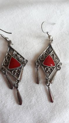 I spotted these funky earrings on auction and I bought them for the Retro Chicksa store. They are silver fillagree diamond shaped drop earrings that have a polished red enamel centre and three tear drop baubles. Funky Earrings, Drop Earrings, Diamond Shapes, My Etsy Shop, Handmade Items, Enamel, Jewellery, Boho, Trending Outfits
