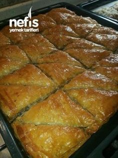 Kekli Baklava Tarifi (Şahane) – Food for Healty East Dessert Recipes, Easy Cake Recipes, Desserts, Turkish Recipes, Greek Recipes, Ethnic Recipes, Middle Eastern Recipes, Food And Drink, Moussaka