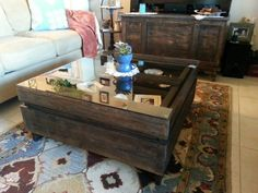 Pallets Wooden Pallets, Pallet Wood, Pallet Ideas, Pallet Projects, Diy Projects, Repurposed Furniture, Pallet Furniture, Studio Shed, Pallet Tables