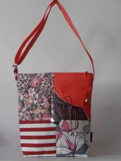 Csíkos-virágmintás, csipkével kombinált nõi táska