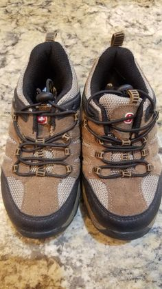 separation shoes 9baf4 617f3 Boys Swiss Gear Sz 11 Hiking Boots never worn  fashion  clothing  shoes