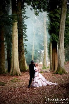 Forest Wedding! I love this photography. It's amazing. #forest #Wedding #photography