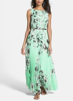 Adore the pleats and mint floral print on this chiffon maxi dress.