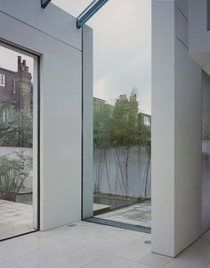Guard Tillman Pollock. Architects.  House reconstruction, Chiswick, London