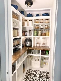 17 Awesome Pantry Shelving Ideas to Make Your Pantry More Organized Pantries are practical additions to any home. From simple solutions to elaborate showcases, here are great pantry storage organization ideas. Pantry Shelving, Pantry Storage, Kitchen Storage, Shelving Ideas, Pantry Cabinets, Kitchen Shelves, Kitchen Pantry Design, Kitchen Redo, Kitchen Ideas