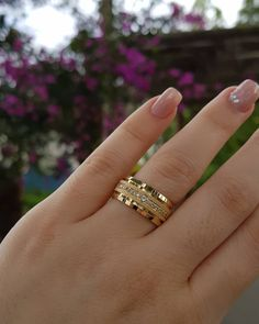 No photo description available. Gold Rings Jewelry, Jewelry Design Earrings, Coral Jewelry, Jewelery, Gold Ring Designs, Gold Bangles Design, Gold Wedding Rings, Wedding Jewelry, Fashion Rings