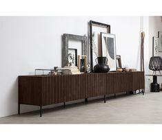 WOOOD Exclusive Gravure tv meubel essen - Basiclabel House Design, New Homes, Interior Design, Furniture, Living Room, Home, Interior, Home Decor, Room