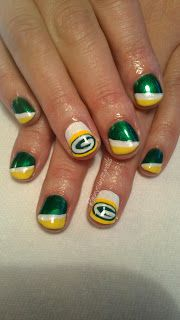Green Bay Packers Manicure!  Only I would choose the Hawkeyes!  But the Packers are cool too. Cute Nails, Pretty Nails, Packer Nails, Football Nail Art, Green Bay Packers Fans, Nail Polish Art, Nails At Home, Stylish Nails, Nail Manicure