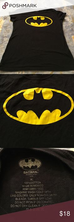 DC Comics presents: BATMAN Tshirt Sz XL juniors Black n yellow print is bold! DC Tops Tees - Short Sleeve