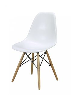 Chair / Nordic look / Wood and white