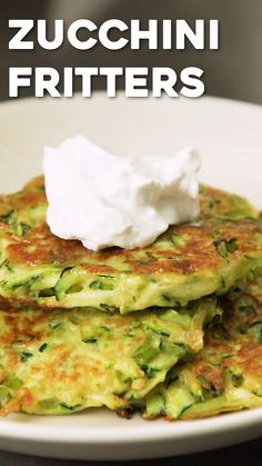 Healthy Zucchini Fritters is part of Zucchini recipes healthy - These healthy zucchini fritters are a quick and easy recipe, perfect for summer! Ready in about 20 minutes, using just 5 ingredients, they make for a great appetizer or snack! Veggie Dishes, Vegetable Recipes, Vegetarian Recipes, Cooking Recipes, Healthy Recipes, Avacoda Recipes, Quinoa Dishes, Greek Recipes, Sandwich Recipes
